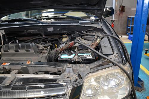Cách xử lý khi ô tô hết điện ắc quy, tài mới nên biết - ảnh 7