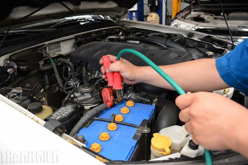 Cách xử lý khi ô tô hết điện ắc quy, tài mới nên biết - ảnh 6