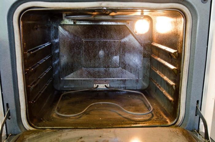 2 cách vệ sinh lò nướng bằng baking soda và giấm trắng nhanh chóng