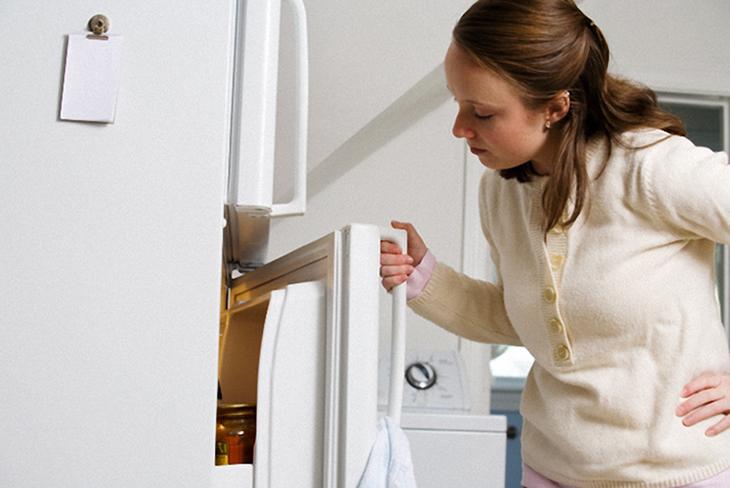 Tủ lạnh đọng hơi nước, ra mồ hôi rất tốn điện